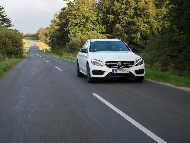 Mercedes C-klass är en av de modeller som återkallas.