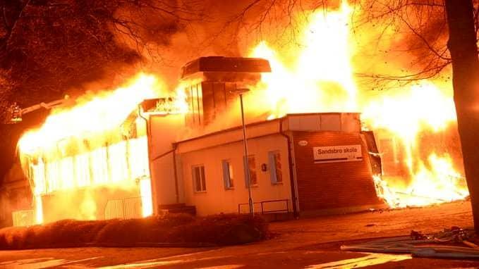 All undervisning flyttades efter den våldsamma branden. Foto: Carl Carlert
