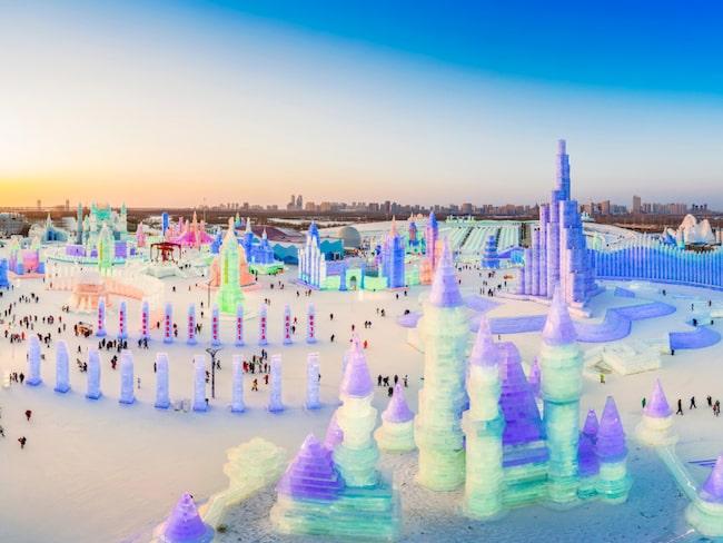 I Heilongjiang-provinsen i norra Kina är det nu dags för världens största snö-och isfestival.