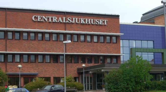 Mannen opererades på centralsjukhuset i Karlstad. Foto: Ylwa Svensson