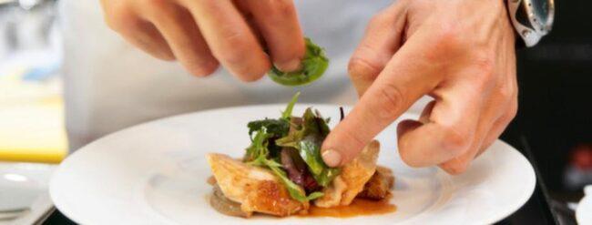 Det finns flera restauranger i Sverige som erbjuder LCHF-kost. Vi har guiden dit.