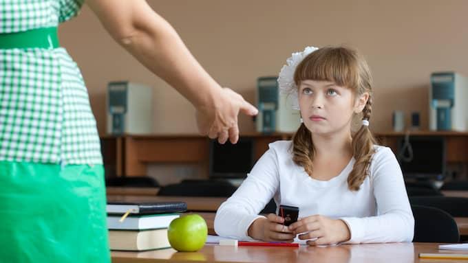 Problemet i svenska skolan handlar inte om mobiler, det handlar om disciplin, och i grunden en sak: Att ta ansvar, skriver Frida Boisen. Foto: Colourbox