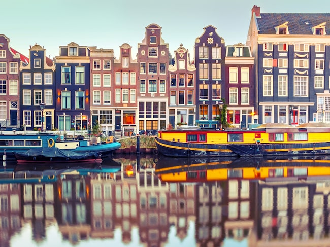 Under år 2016 besökte inte mindre än 17 miljoner turister Amsterdam.