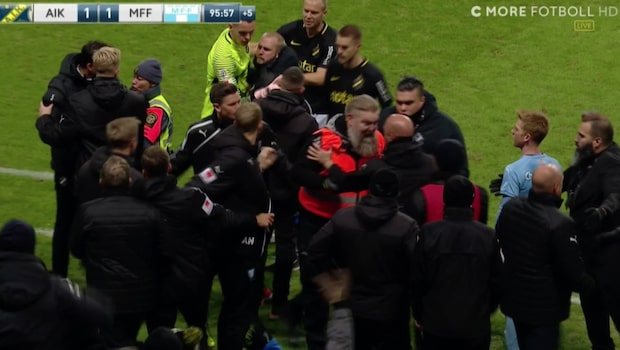 Kaosscener på Friends när AIK kvitterar – stjärnan utvisad efter firandet