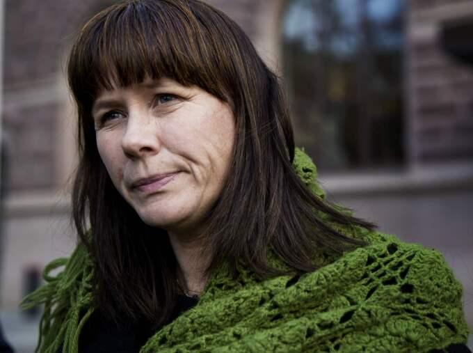 """""""Jag tittade på Åsa Romsås på tv innan jag gick och lade mig i går kväll. Det gynnade ju inte nattsömnen. Den är inte riktigt riktig och hon företräder inget politiskt parti, utan en terroristorganisation i den bemärkelsen att man terroriserar folket utanför stan med nya utredningar,"""" skriver Tommy Lind på sin Facebook-sida och syftar på partiets språkrör Åsa Romson. Foto: Lisa Mattisson Exp"""