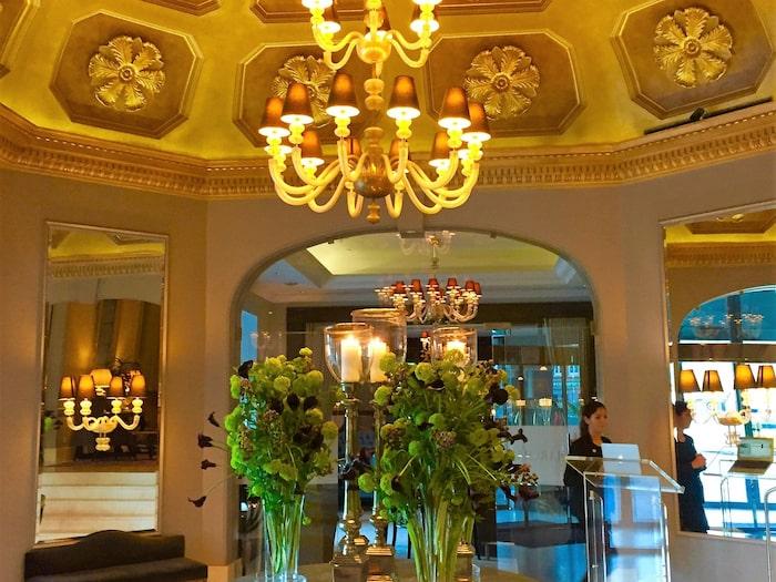 2695427c2b6 På hygge-deluxe-hotellet d'Angleterre sprakar brasan året runt.