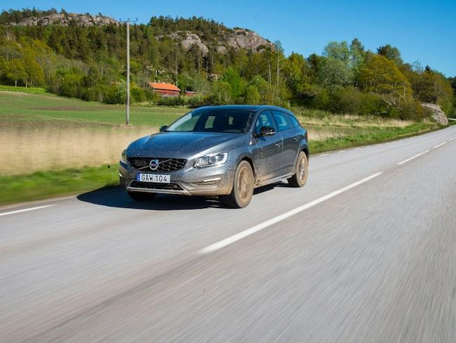 Volvo V60 Cross Country, provkörd 2015.
