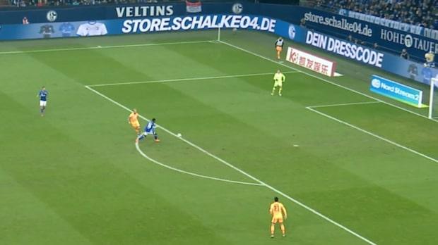 Blundern: Ger Embolo öppet mål