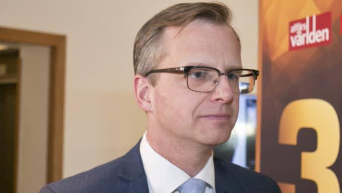 Mikael Damberg (S) tycker det går för långsamt och föreslår en lag om kvotering till bolagsstyrelser. Foto: Evelina Carborn