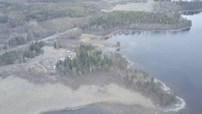 Polisens dykare hittade Tova Mobergs kropp i den här sjön. Foto: Swepix